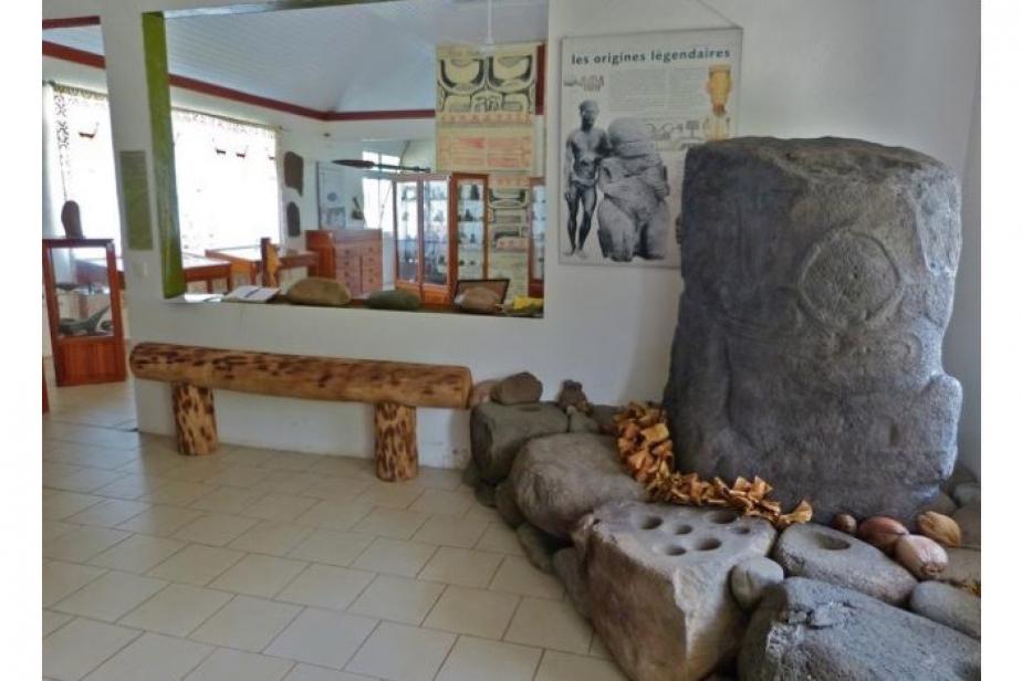Tirage du tiki Tiu du me'ae Pata, à Taaoa, Hiva Oa, exposé dans la salle patrimoniale de Hatiheu ©Pierre Ottino