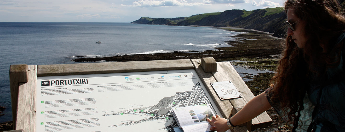 Mirador de Portutxiki, interpretation panel and geological guide of the flysch, Basque Coast Unesco Global Geopark